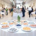 Cateringangebot in einer Veranstaltungshalle